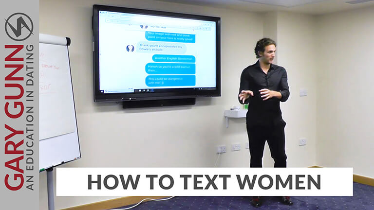 Gary Gunn hosting a dating confidence course on how to message women online or in texts
